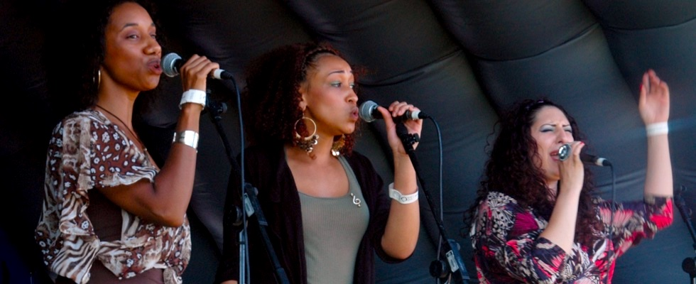 Drizabone Soul Family performing at Summer Soulstice 2011. Photo by Paul Welch © Summer Soulstice Ltd.