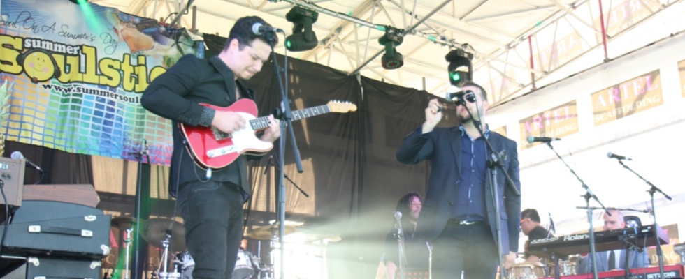 The Illumination Experience guys performing alongside Bah Samba at Summer Soulstice 2015. Photo by Jen Jenny B ©Summer Soulstice Ltd.